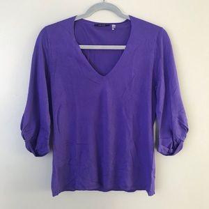 Elie Tahari silk cashmere blend  vneck blouse
